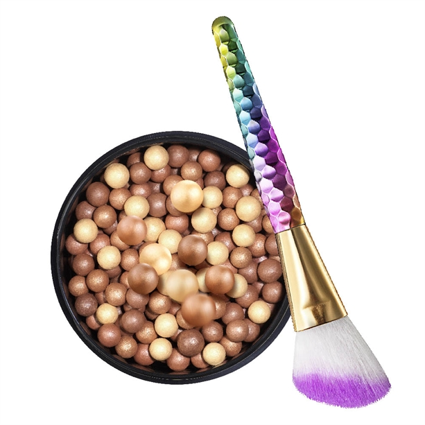 Set Perle bronzante True Colour Glow si Pensula pentru amestecare mark. Magical - Catalog Avon