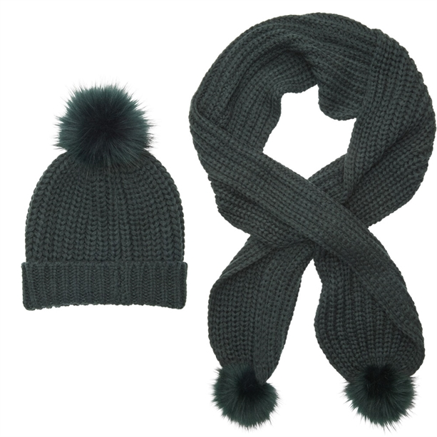 Set Fes si Fular tricotat Ilsha - Catalog Avon